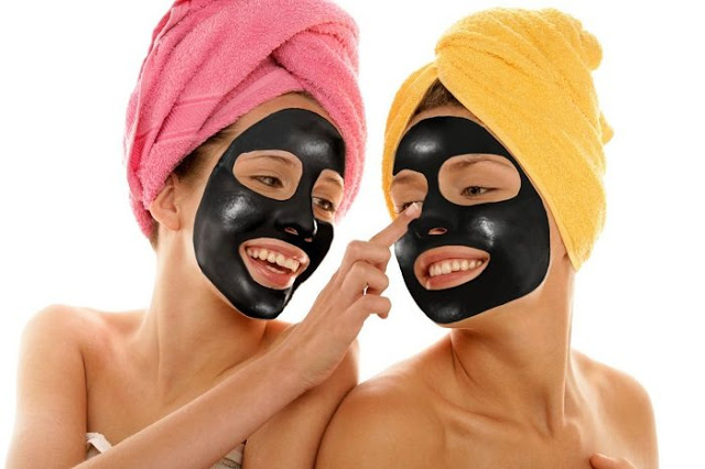 how to remove blackheads naturally